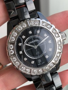 chanel-j12-38mm-quartz-black-ceramic-diamonds12tuu0