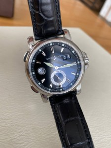 ulysse-nardin-gmt-dual-time-big-date-black-dial200